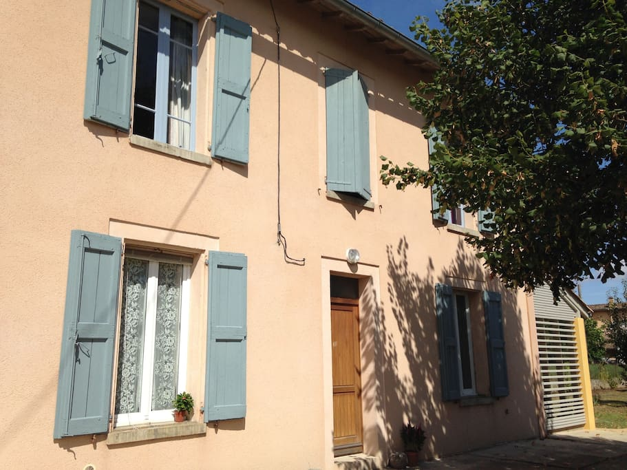 Maison de village avec jardin houses for rent in for Grand jardin wine