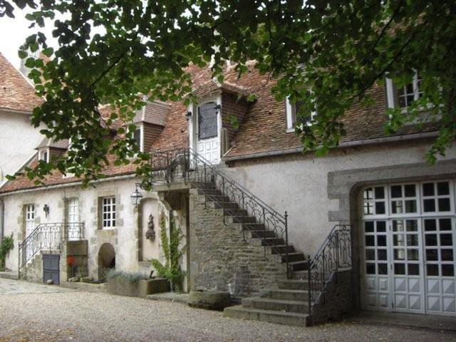 Appartement 5 chambres dans Château - Pouligny-Notre-Dame - Apartamento