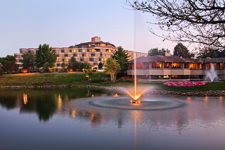 Hilton Indian Lakes Resort - Bloomingdale