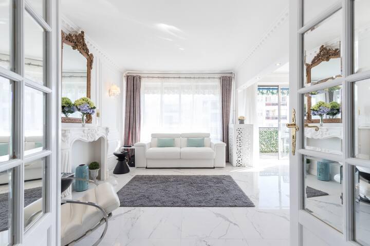 Luxury 60 sq m apartment close to beach