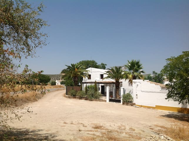 Country house with private pool. - Herrera, Seville. - Huis