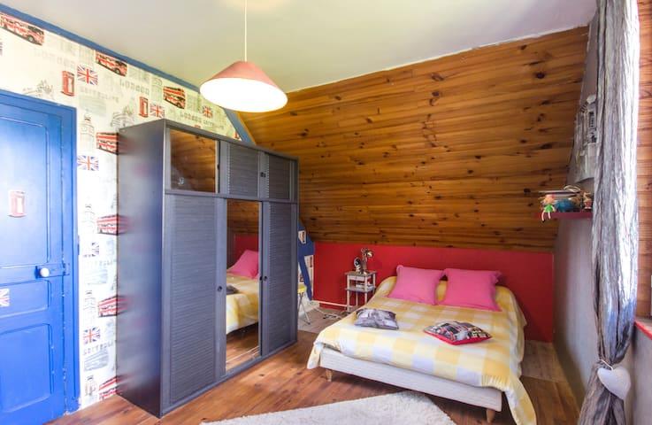 1 chambre de 4 pax à 60 euros - Pleslin-Trigavou