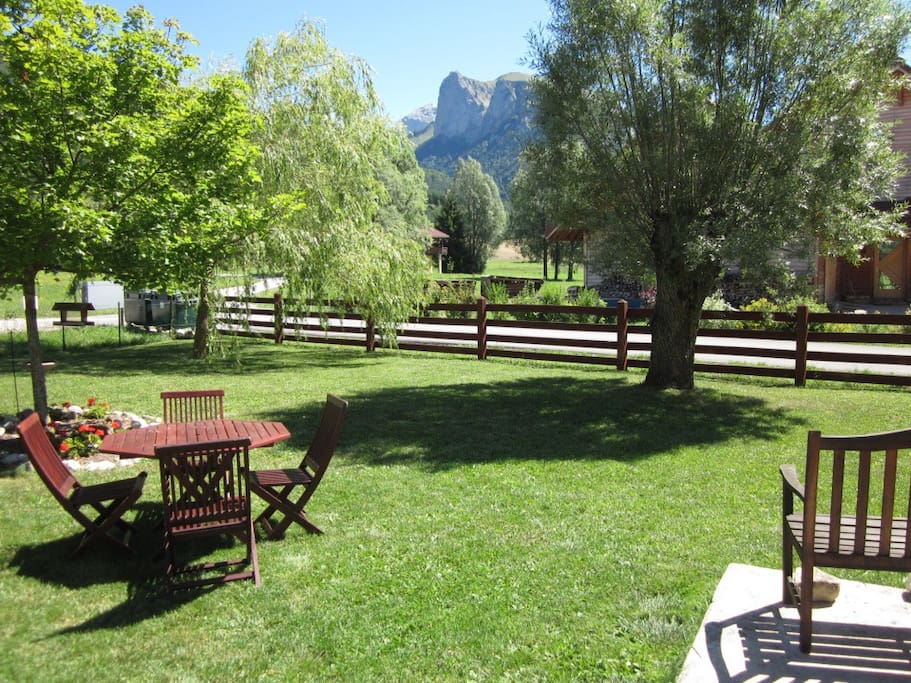 Sole use of garden with beautiful views of the mountains