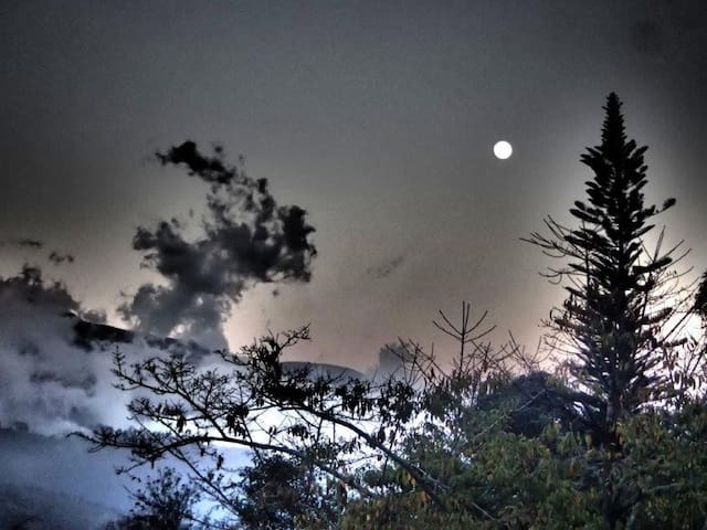 Full Moon rising above the Blue Mountains