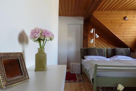 LAA Casa – Wohlfühlhaus - 800m zur Therme Laa