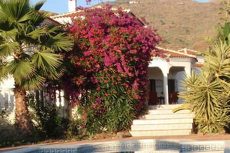 Large luxurious villa, private pool - Arenas