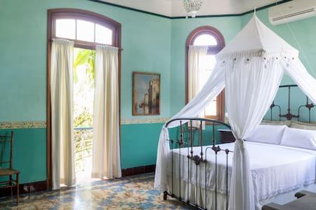 La Rosa de Ortega / Standard Room - La Habana