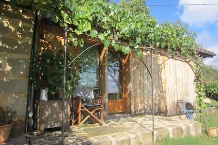 Chambre écologique proche de Figeac - Planioles - Erdhaus