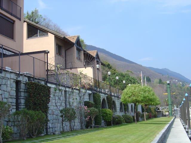 Direkt am Lago - 2 Zi Ferienwohnung - Ghiffa - Condominium