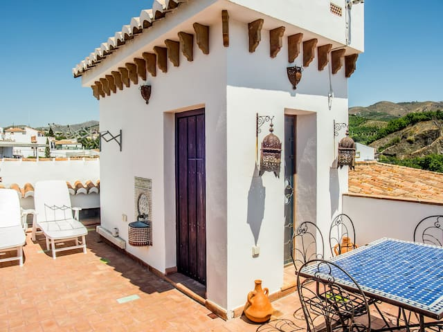 Village Casa Ana by Buddhist Center - Vélez-Málaga - Huis