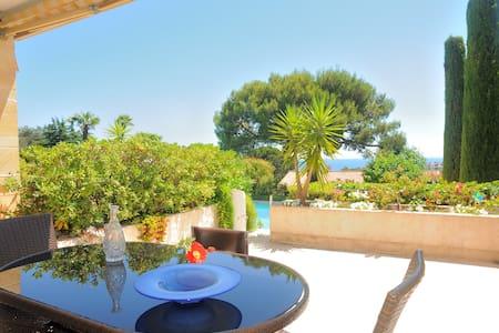 Villa Cesaree pool & private garden