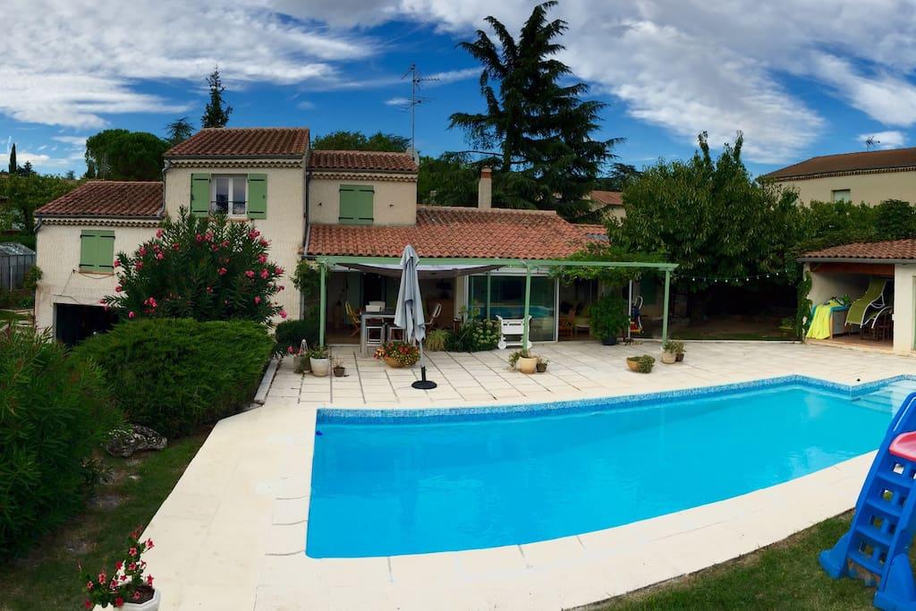 Superbe villa piscine mont limar maisons louer for Piscine montelimar