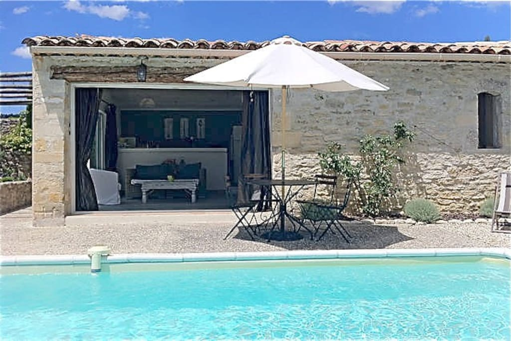 le petit bastidon private pool houses for rent in gordes provence alpes c te d 39 azur france. Black Bedroom Furniture Sets. Home Design Ideas