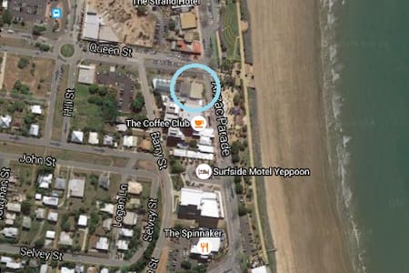 Location! Beachside | Waterpark - Yeppoon