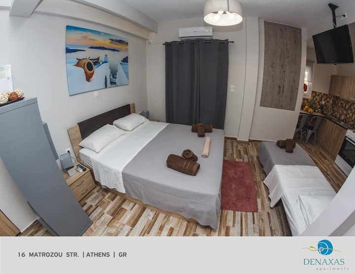 Denaxas Apartments close to the Heart of Athens!