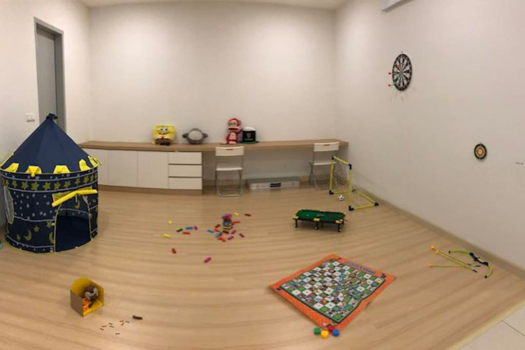 Children play area, could be working space too