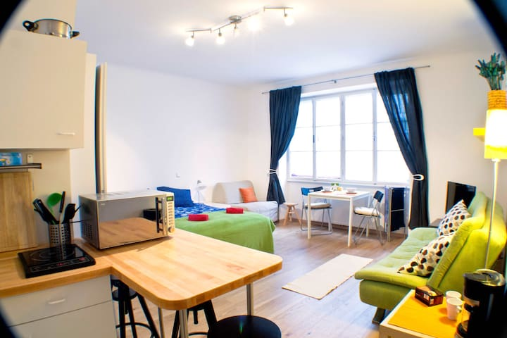 Direct in the center of Vienna, cosy and bright