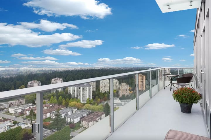 Million Dollar View Property in Metrotown! - Burnaby - Lejlighed
