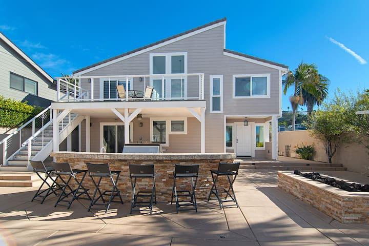 Modern Beach Oasis w/ Outdoor Kitchen