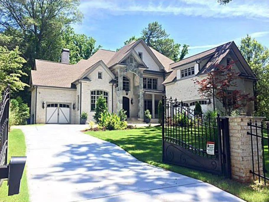 The Luxurious Buckhead Gated Mansion Houses For Rent In Atlanta Georgia United States