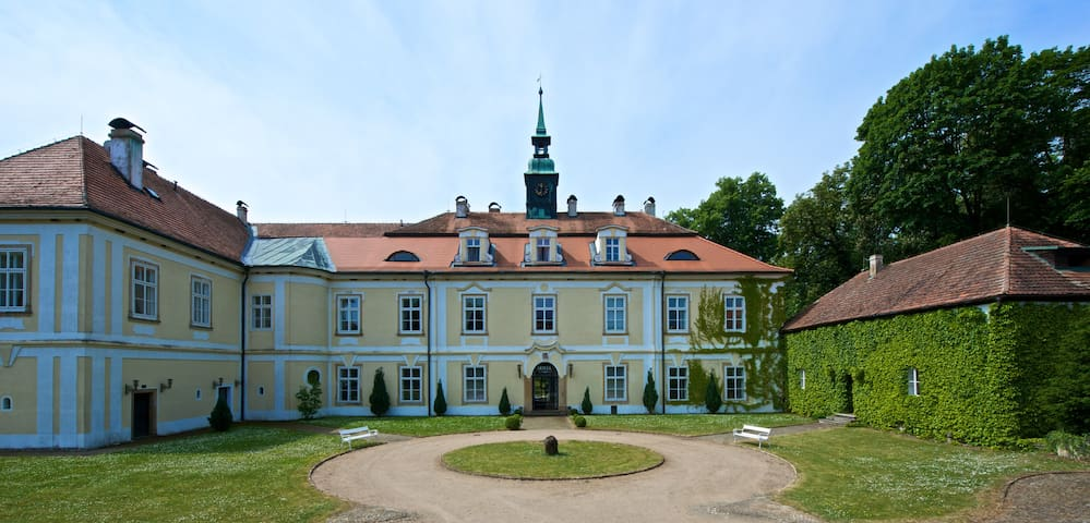 COZY HOUSE, Pool/Tennis/Golf in Castle Park - Dubá - Hus