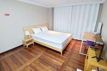 Near Incheon Airport(Double room)半岛旅馆 - Jung-gu - Lägenhet