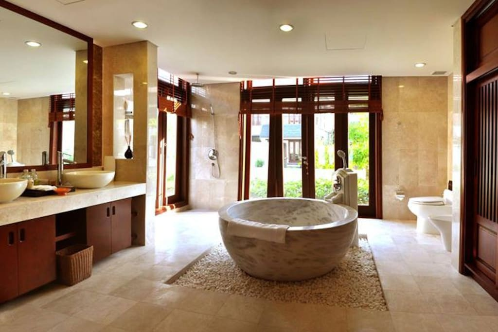 Marble bath that you will love to chill out in Bathroom No. 1