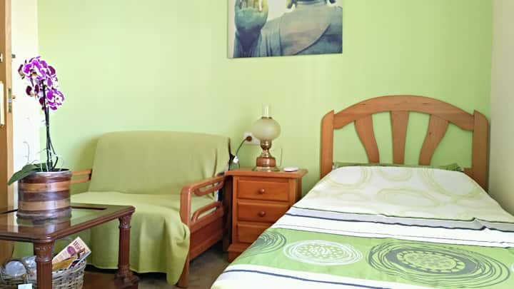 Gästezimmer mit Bad in grosser Villa auf Finca