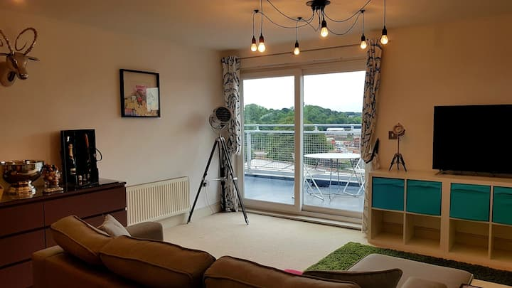 2 bed, open plan, river view, Penthouse apartment*