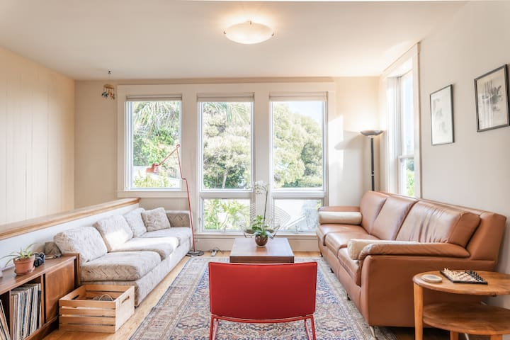 Bay Views Top Floor Suite in Potrero Hill Shared Apt