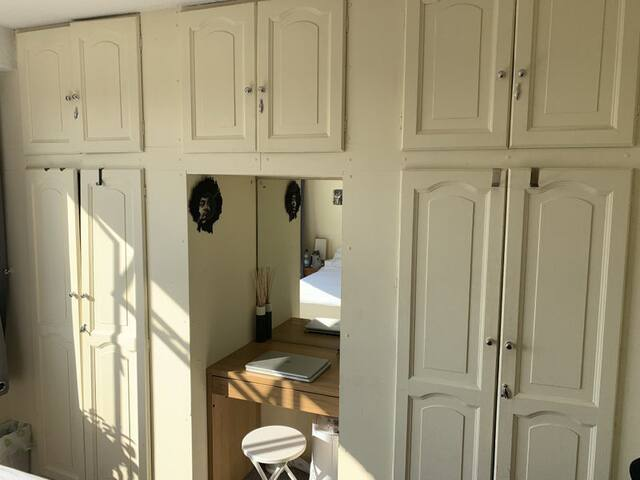 Stunning and cheap room in Little Venice (zone 1)