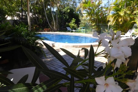 Manly Garden Studio at Moreton Bay - Apartament