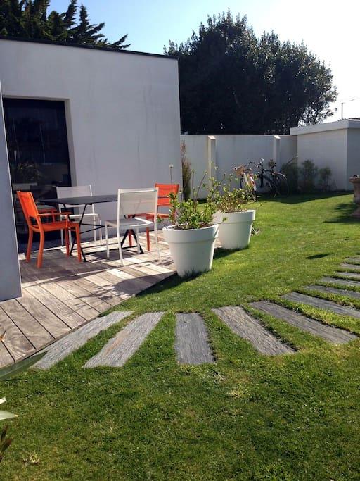 maison contemporaine avec jardin à 3 mn de la plage et des commerces