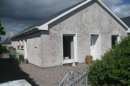 MargaretM - Ballycotton - Rumah