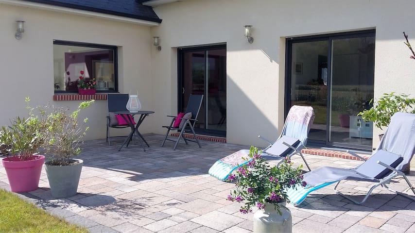 1 ou 2 chambres dans maison calme - Martot - Casa