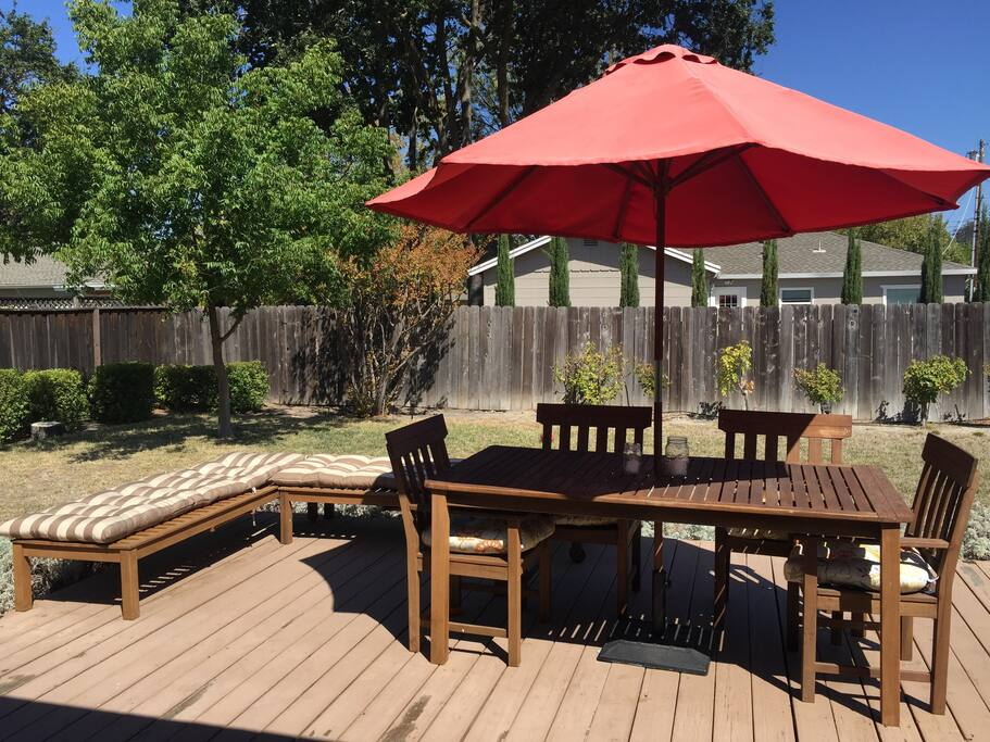 Out Door Dining Area and Lounge Space