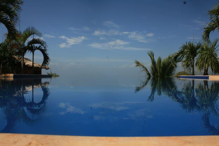 El Monte Azul - Unique Experience