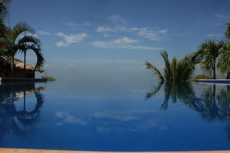 El Sueño Azul- Luxury Bed&Breakfast - Inap sarapan