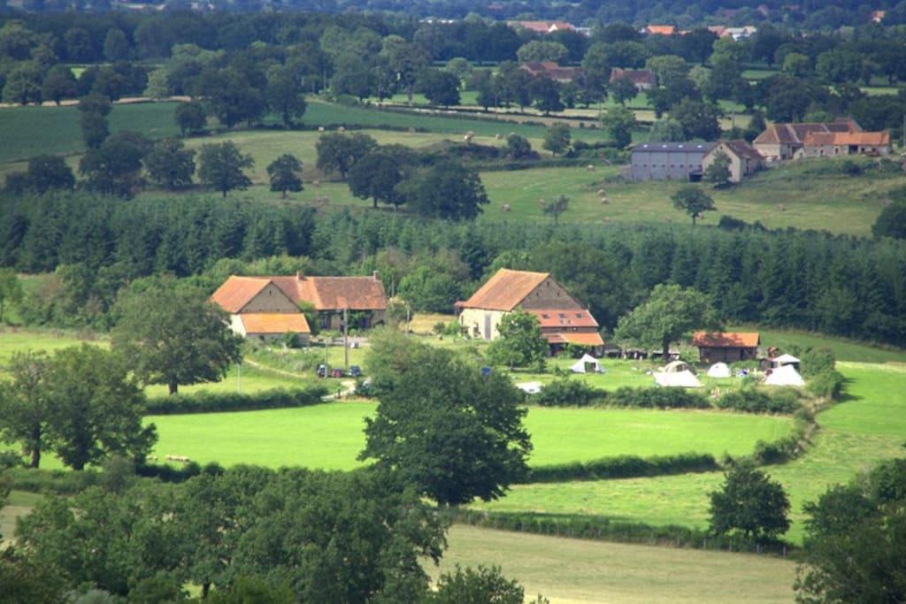 Brenazet in het glooiende landschap van de Bourbonnais