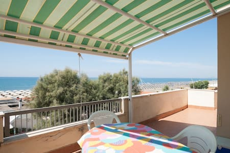 Overlooking the Sea - Lido di Tarquinia - Wohnung