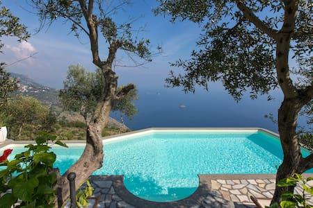 Amazing villa with sea view - Sant'Agata sui Due Golfi