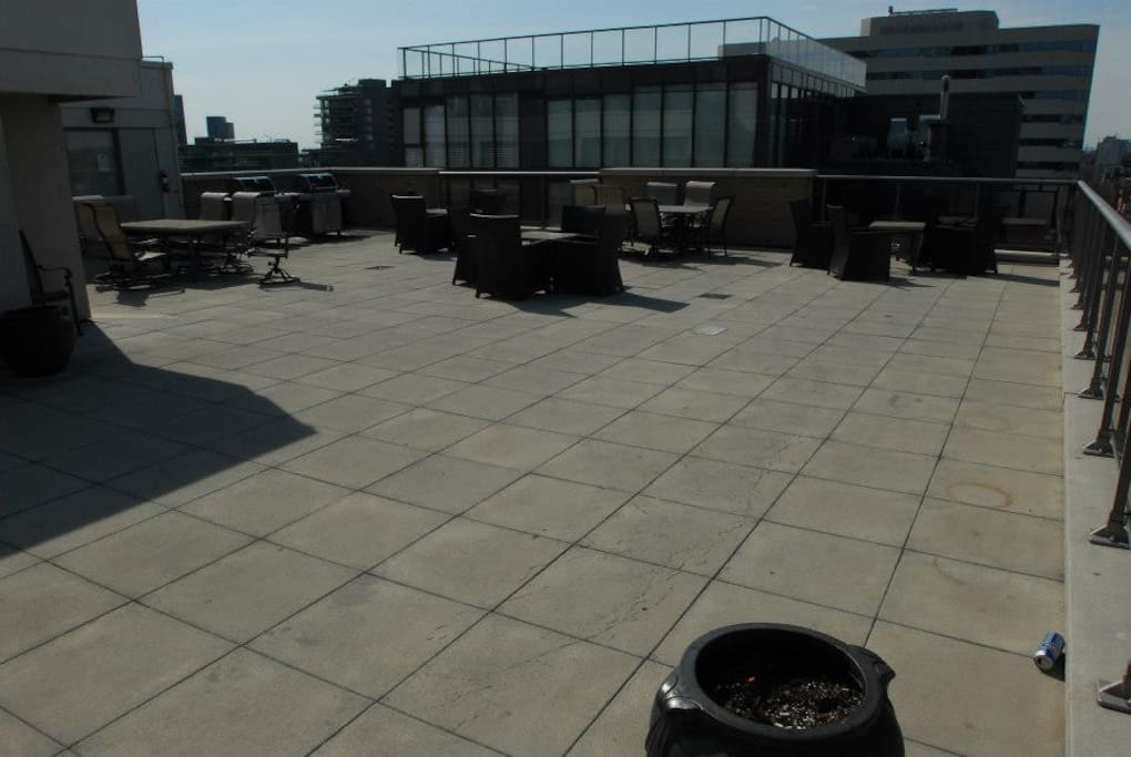 Rooftop patio thats shared with the building!! So great up here.