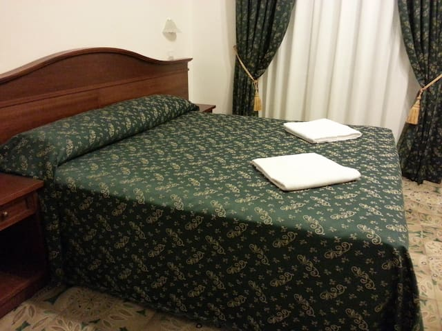 Rome City Inn (Quadruple Room)
