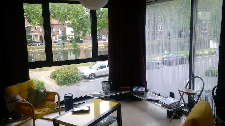 Studio Canal view close to center - Mechelen - Leilighet