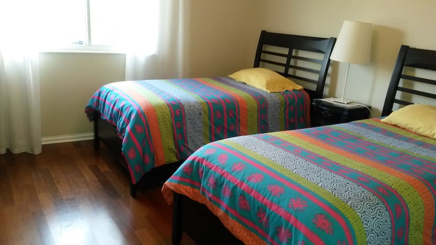 Townhouse accommodations - Sunrise - Bed & Breakfast