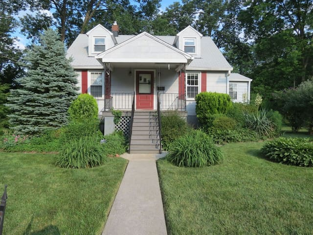 Safe, Cozy, Cottage in Mt Wash. - Baltimore - Huis