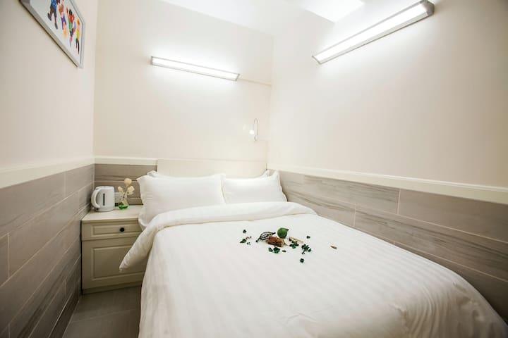Fortune Inn Warm room 9  温馨大床房