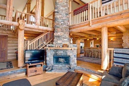 Luxury Log Cabin on Sonoma Mountain