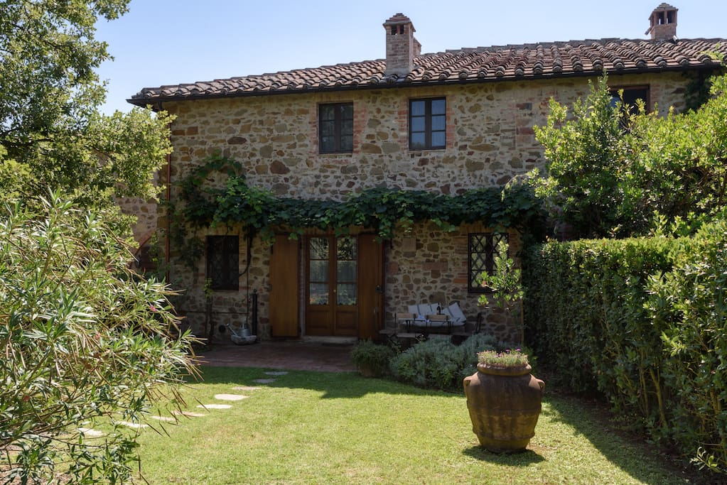 Stunning view of chianti hills houses for rent in san for Rent a house in tuscany