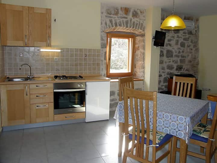 Lovely apartment in Vrboska